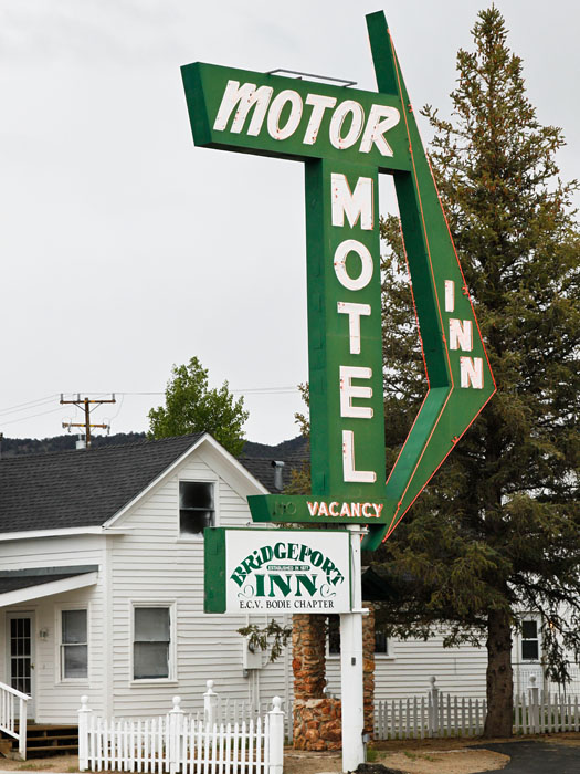 Motel Sign in Bridgeport CA