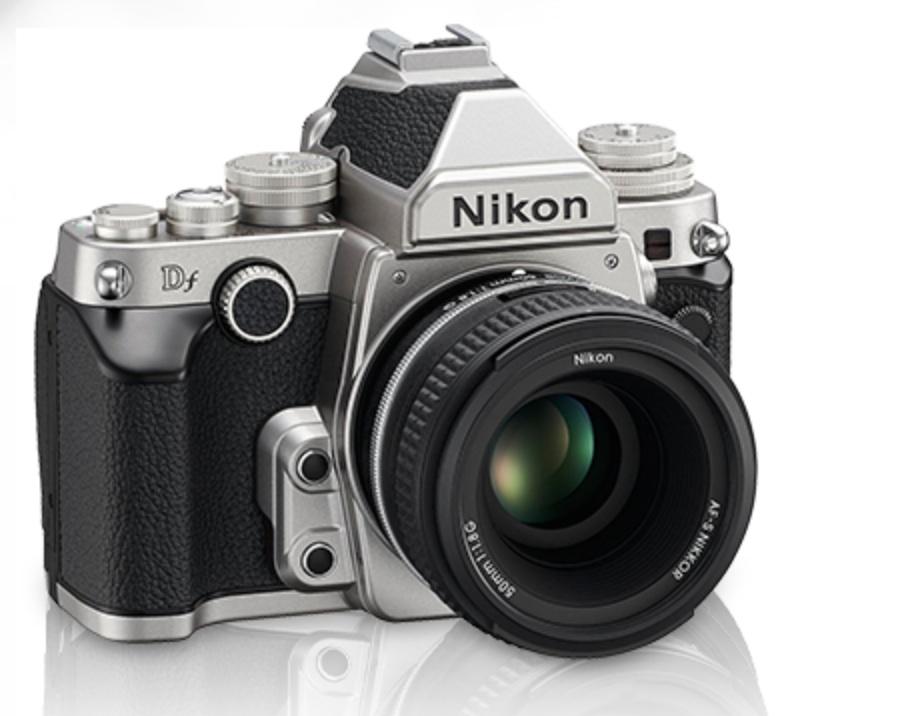 http://thedigitalstory.com/2013/11/05/nikon-df-right.jpg