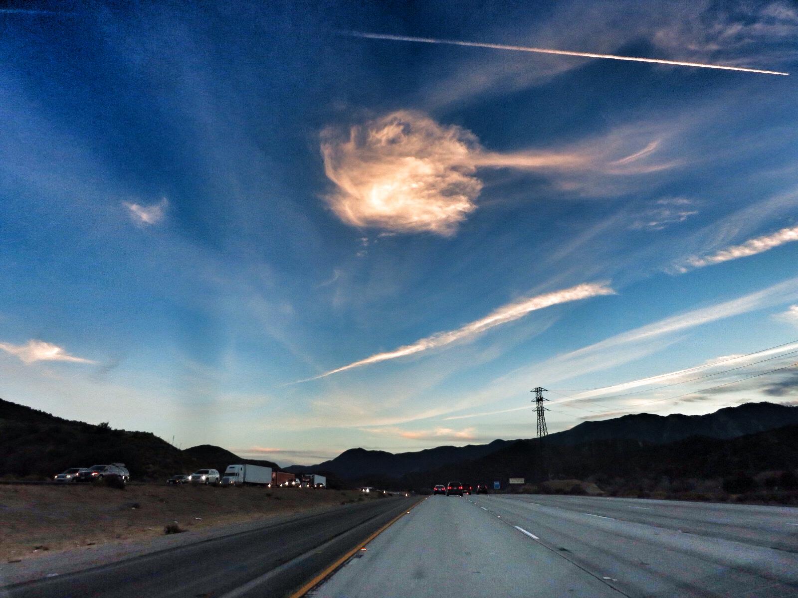 http://thedigitalstory.com/2013/12/28/cloud-over-tejon-pass.jpg