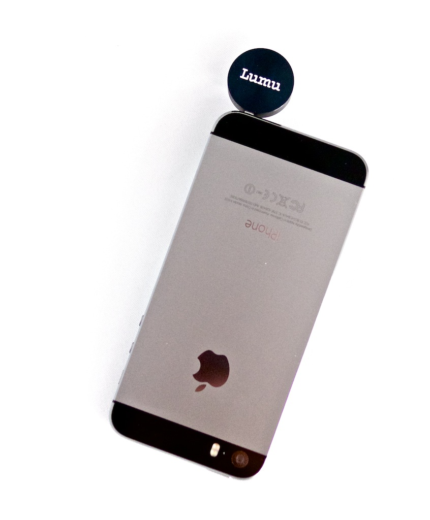 http://thedigitalstory.com/2014/01/14/lumu-on-iphone-5s.jpg