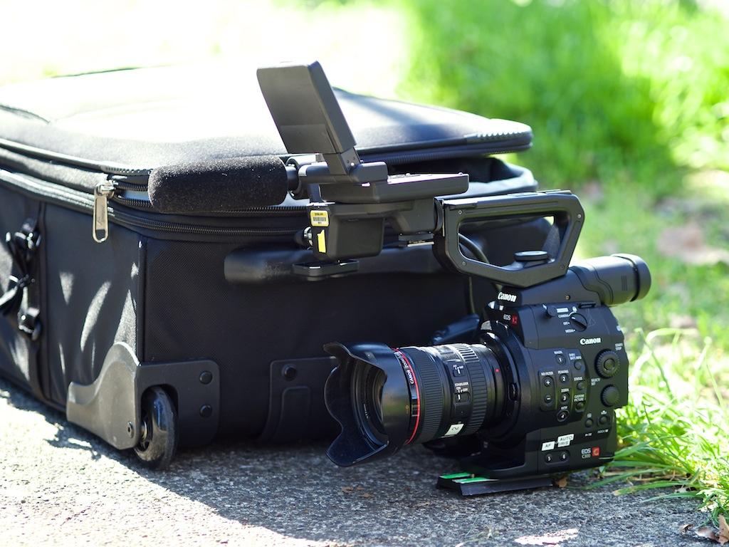 http://thedigitalstory.com/2014/03/03/canon-c300-lowepro-roller.jpg