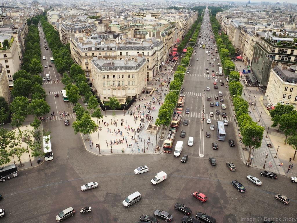 http://thedigitalstory.com/2014/06/16/paris-traffic.jpg