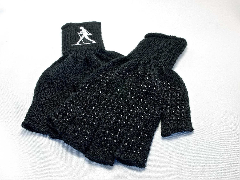 http://thedigitalstory.com/2014/11/10/nimble-fingerless-gloves.jpg