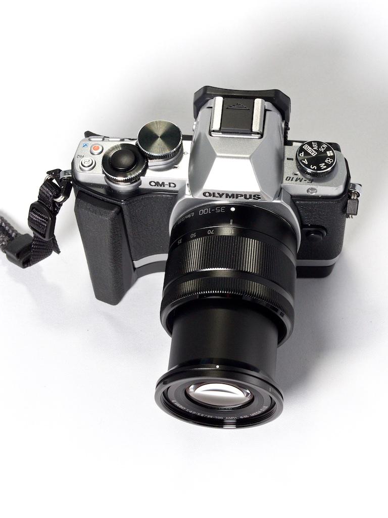 http://thedigitalstory.com/2014/12/05/panasonic-35-100mm-zoom-extended.jpg