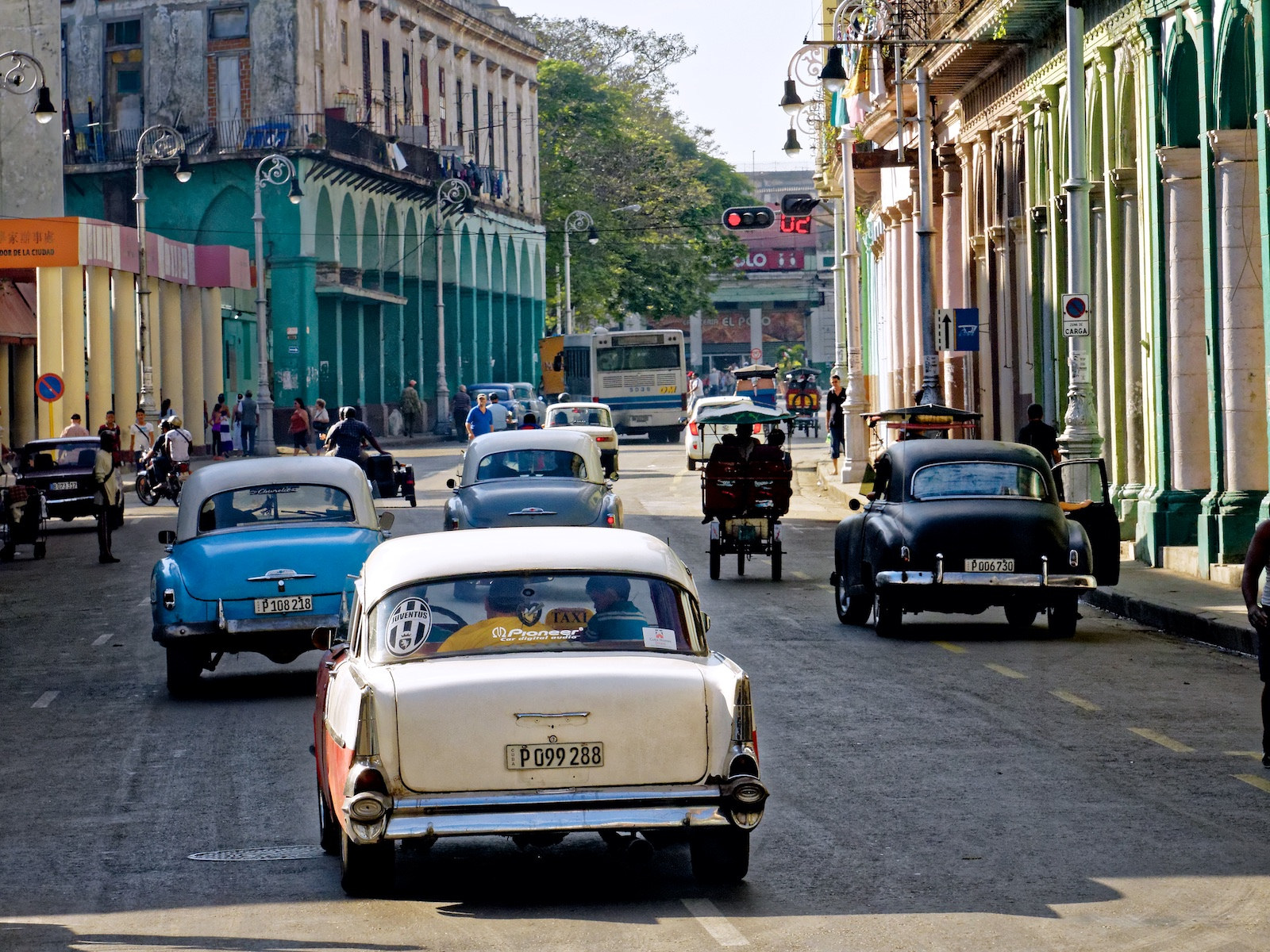 http://thedigitalstory.com/2015/01/31/downtown-havana-jan-2015.jpg