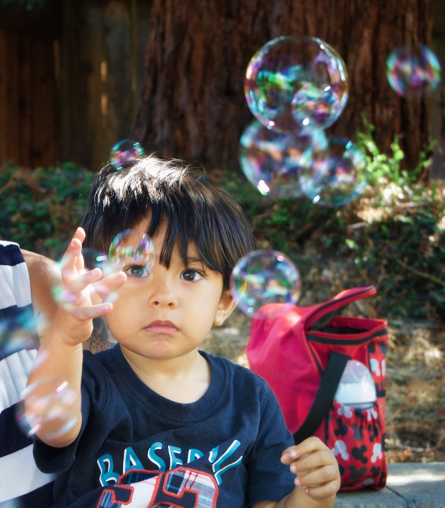 http://thedigitalstory.com/2015/07/05/charlie-with-soap-bubbles-1024.jpg