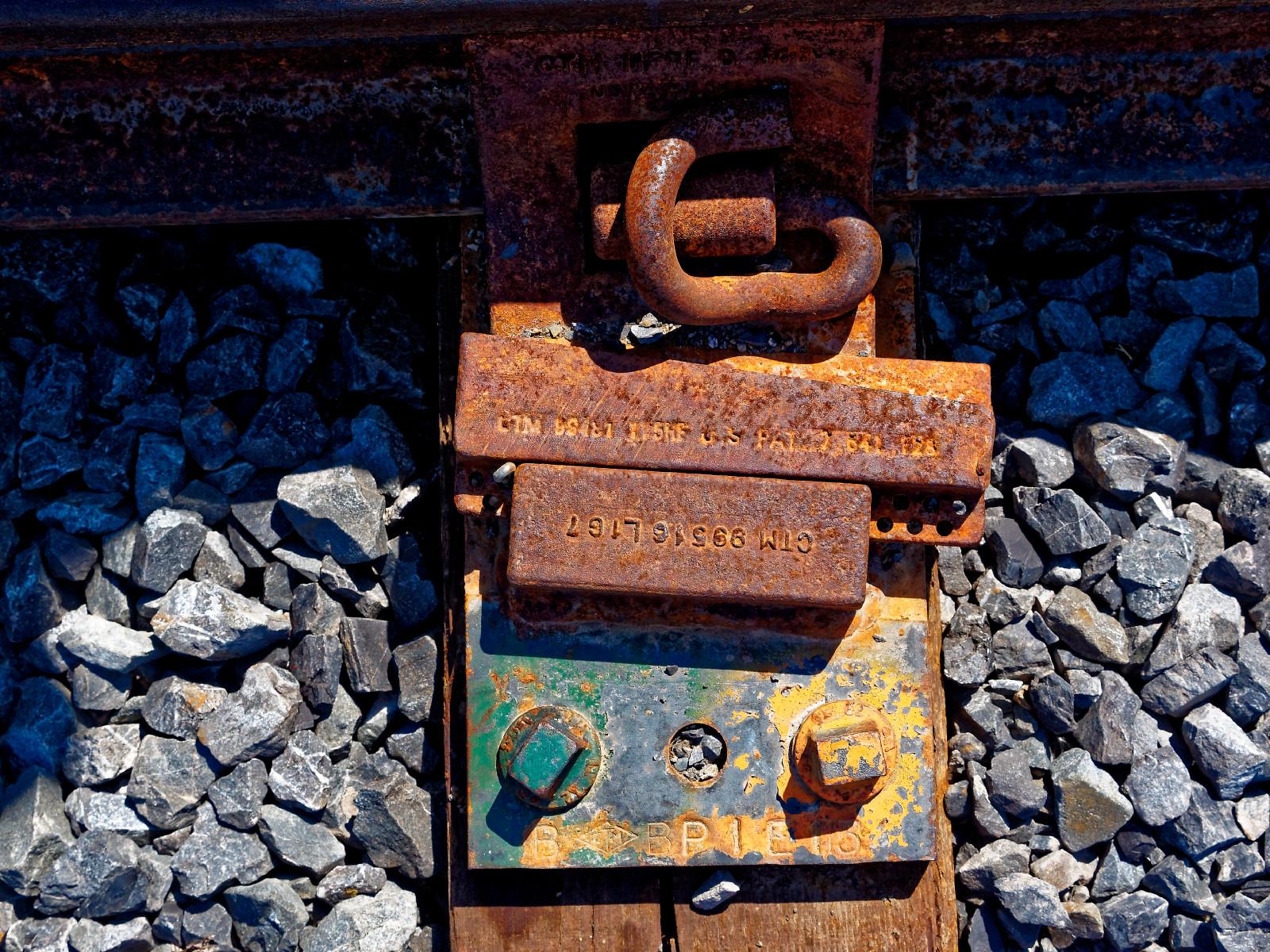 http://thedigitalstory.com/2015/09/02/railroad-web-d-story.jpg
