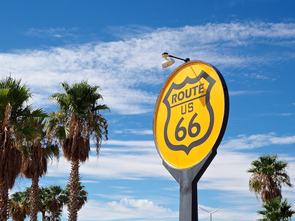 http://thedigitalstory.com/2015/09/14/route-66-sign.jpg