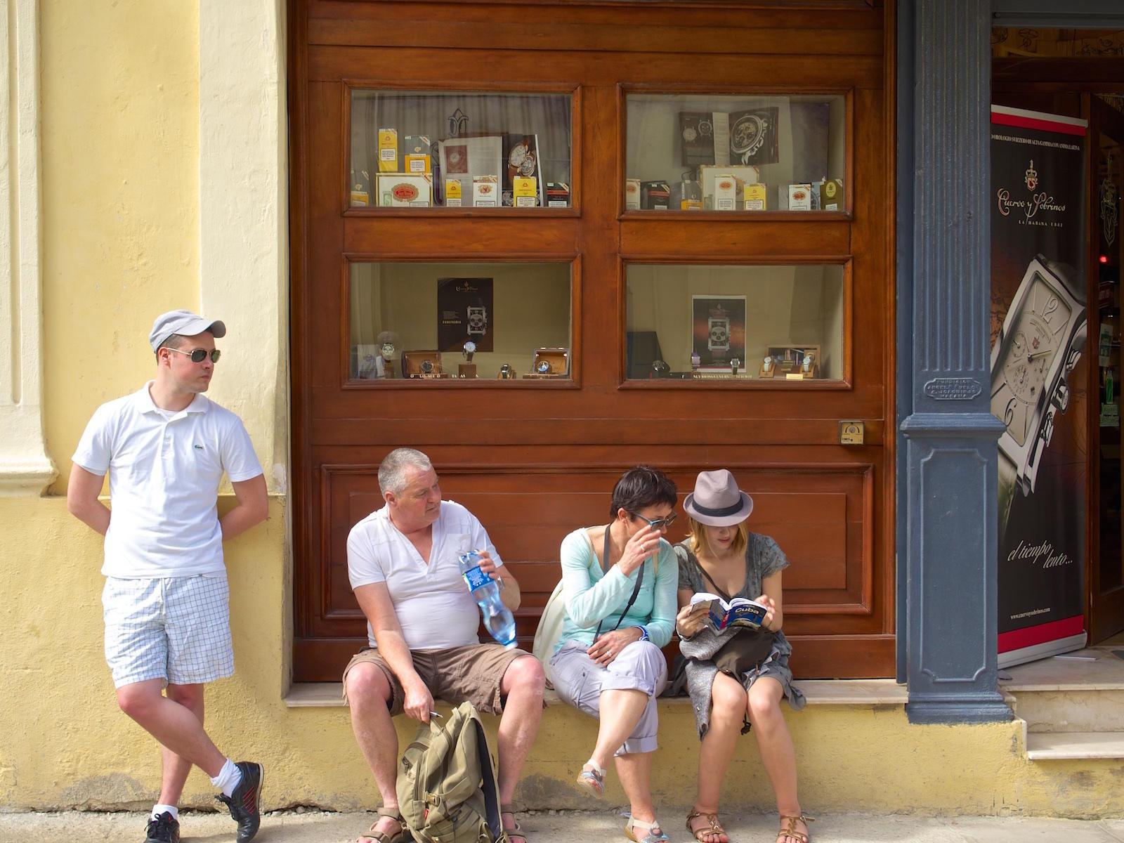http://thedigitalstory.com/2016/03/22/cuba-tourists.jpg