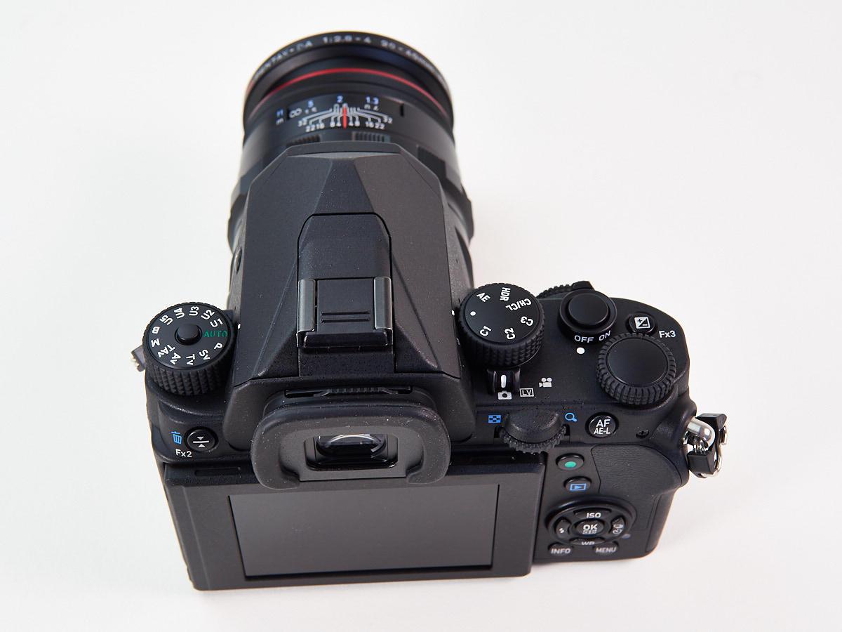 http://thedigitalstory.com/2017/03/P2280243-Pentax-KP-top-deck-w-lens.jpg
