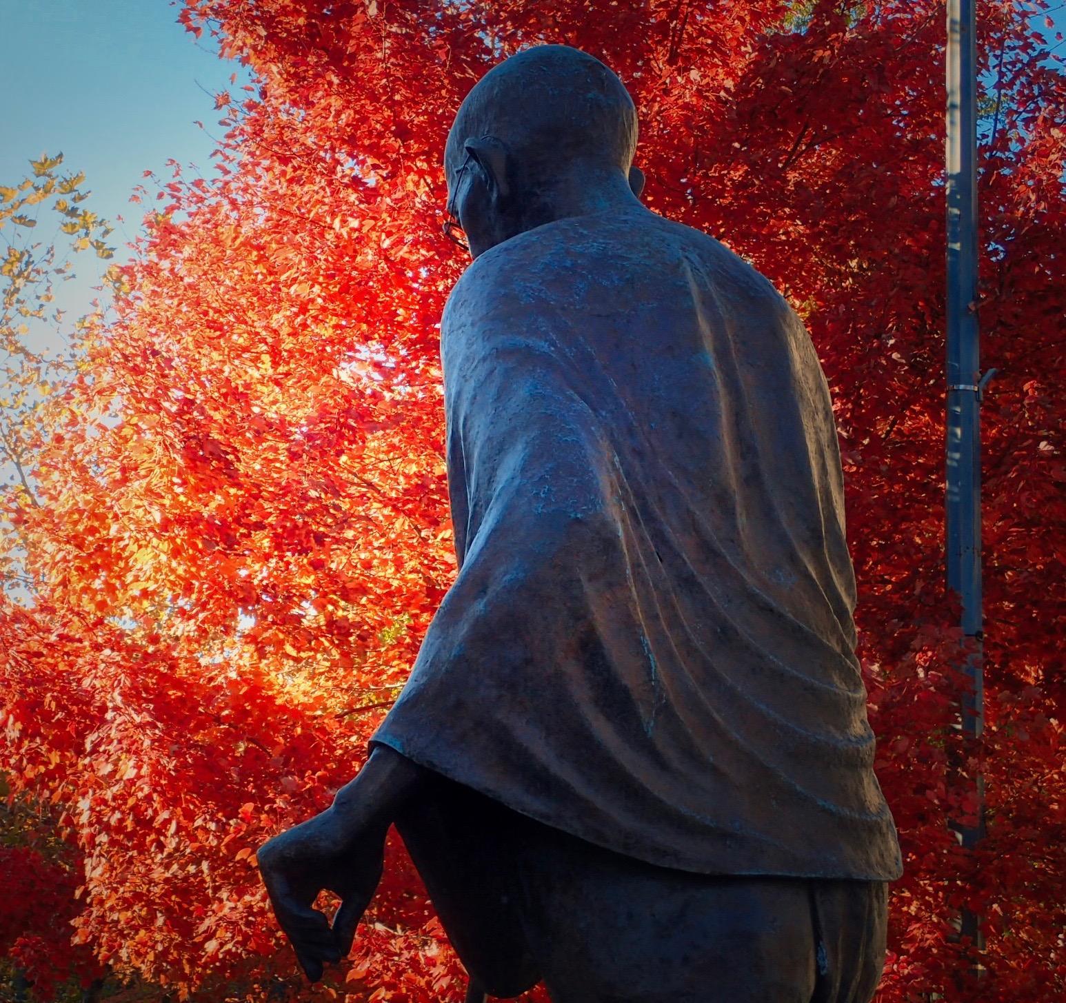 http://thedigitalstory.com/2017/11/21/Ghandi-in-DS.jpg