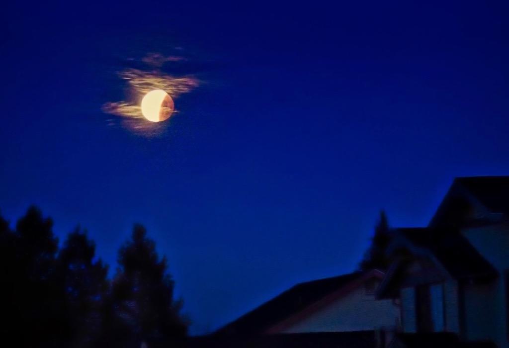 http://thedigitalstory.com/2018/02/04/Moon-Over-Home.jpg