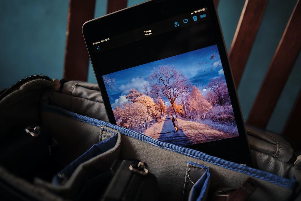 https://thedigitalstory.com/2021/02/12/Derrick-Story-DSCF2410-iPad-mini-1024.jpg