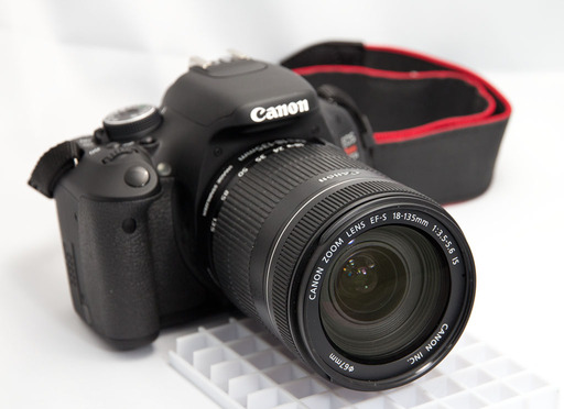 Canon EF-S 18-135mm IS Zoom Lens