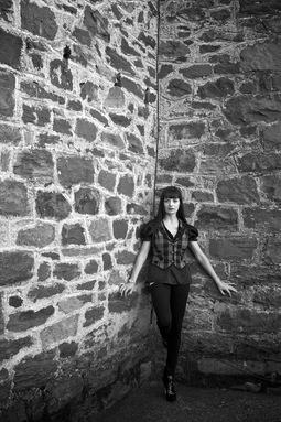 stone_wall_portrait.jpg