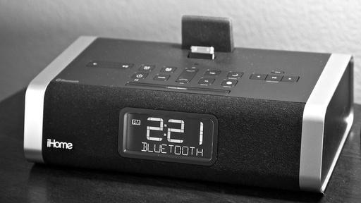 iHome iD50 Clock Radio