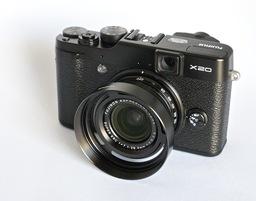 fujifilm-x20-lenshood.jpg