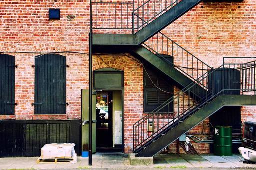 P8075103-bricks-n-stairs1900-1-1419x946.jpg