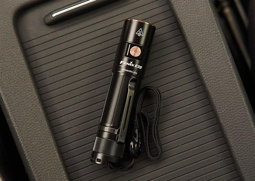 P8141902-USB-C-Flashlight-1024.jpg