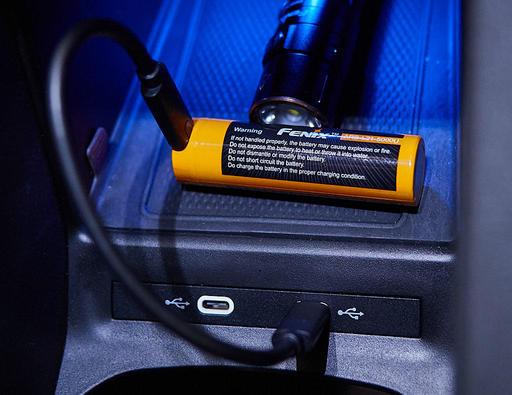 P8141907-USB-C-Flashlight-1024.jpg